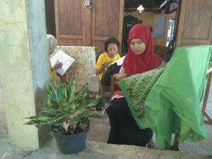 Tehnik Batik dengan Tulis